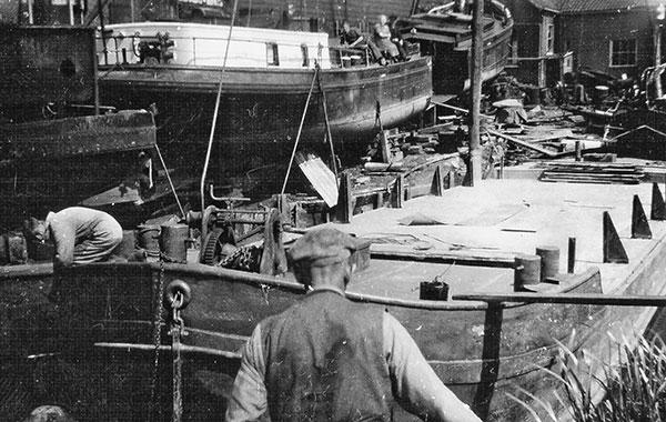 scheepswerf-matena-papendrecht-Bagger-materialen-1eeuw