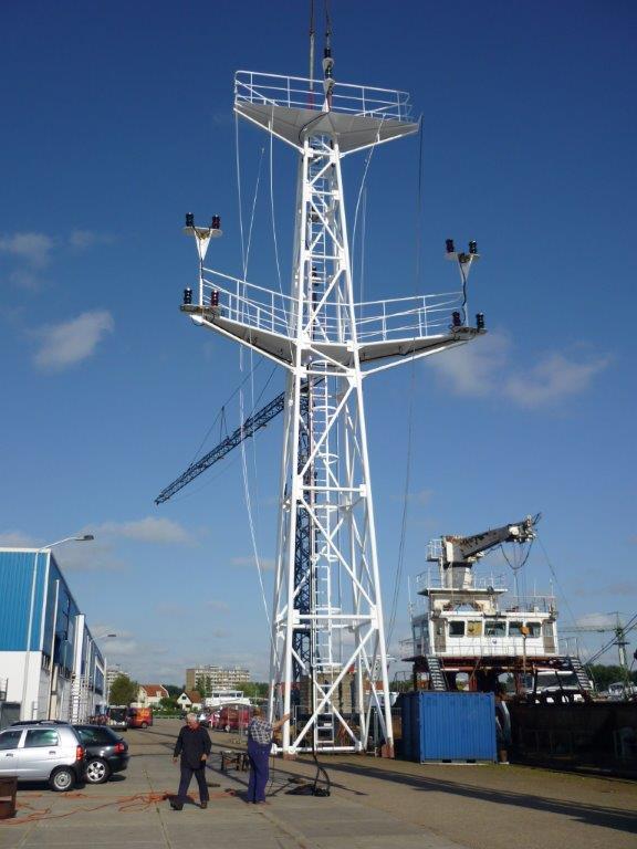 Maken-van-een-mast-van-18meter-voor-Baggerbedrijf-De-Boer-in-2009